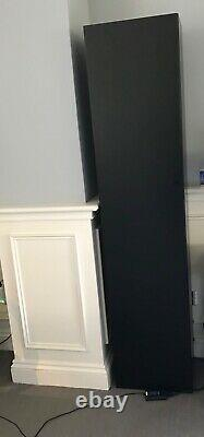 Bo concept lugano wall mounted unit, 40cm(W) x 30 cm(D) x 180cm(H). RRP £579.00
