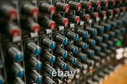 Mackie LM-3204 Line Mixer 19 Rack-Mount Unit