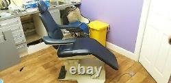 Planmeca Dental Chair Pm 2002 CC Foot Controls + Mur Monté Delivery Cart Unit