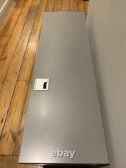 Stretto Wall Mounted Media Unit / Tv Stand In Grey De Fait. États-unis D'amérique