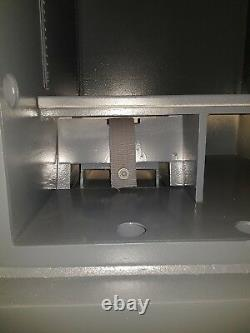 Surface Montée Smp Dual Unit G1 (£10,000k) Top & G3 Bottom Key Lock (£35,000k)